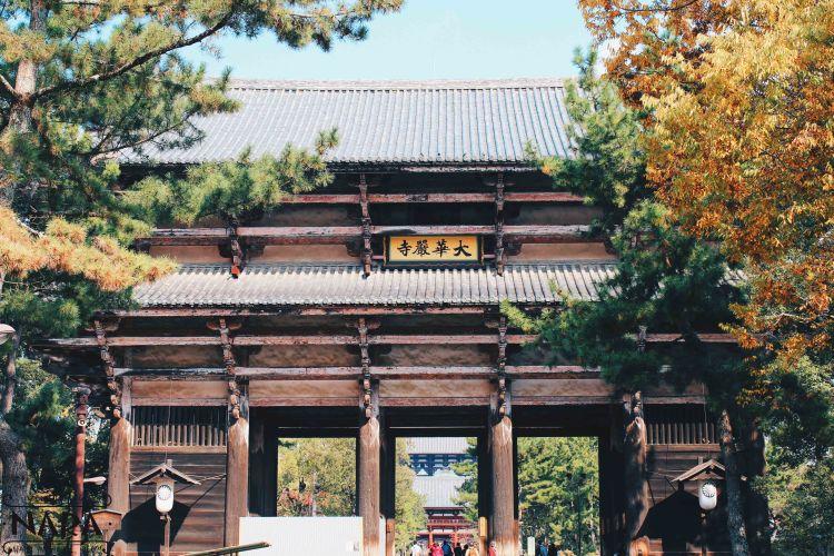Nandaimon Gate.