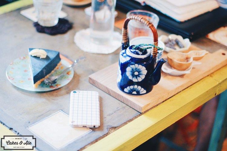 Jasmine tea set & Charcoal Cheesecake.