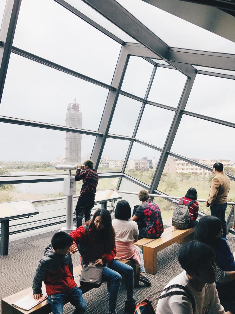 Đài quan sát Lanyang nhìn ra khung cảnh bên ngoài
