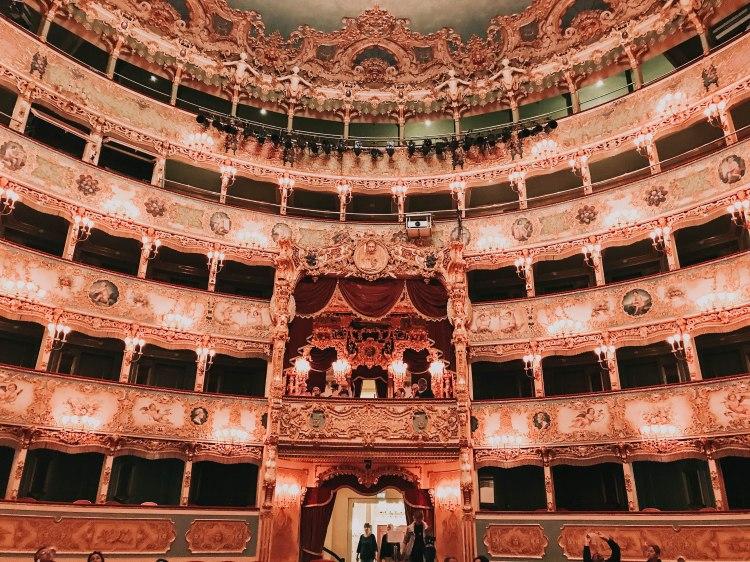 Teatro la Fenice dome
