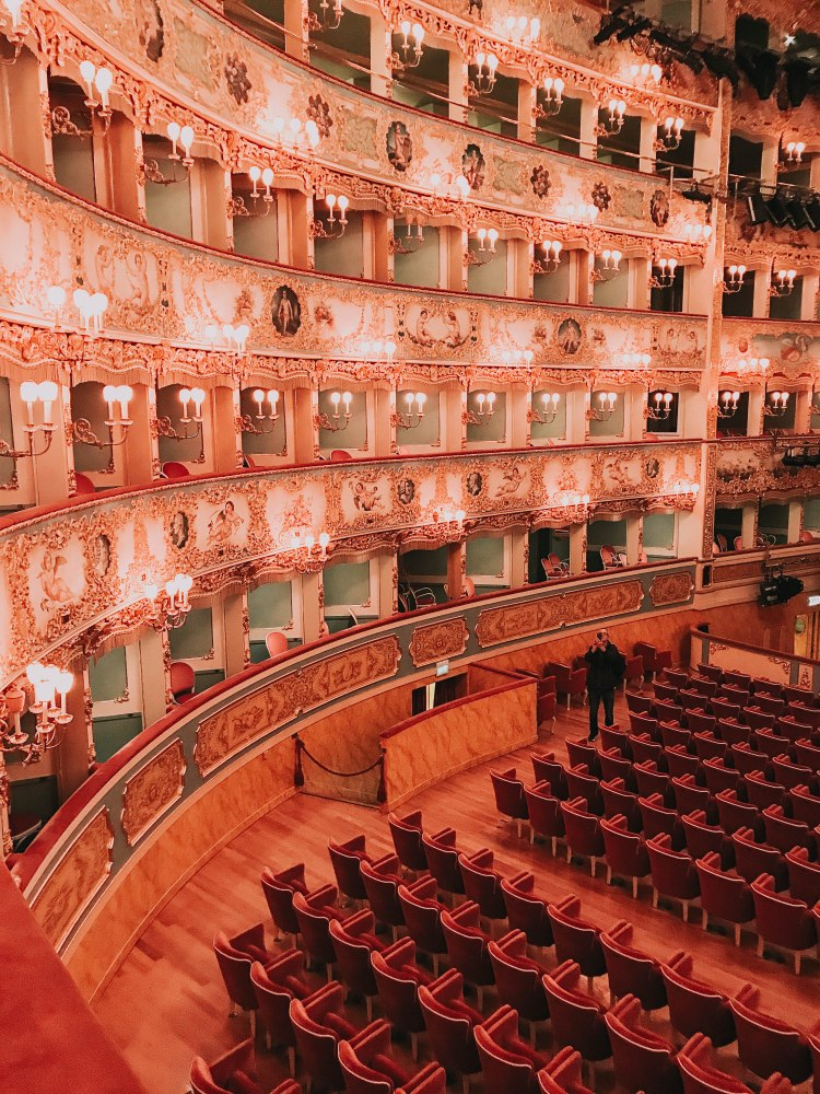 Teatro la Fenice inside