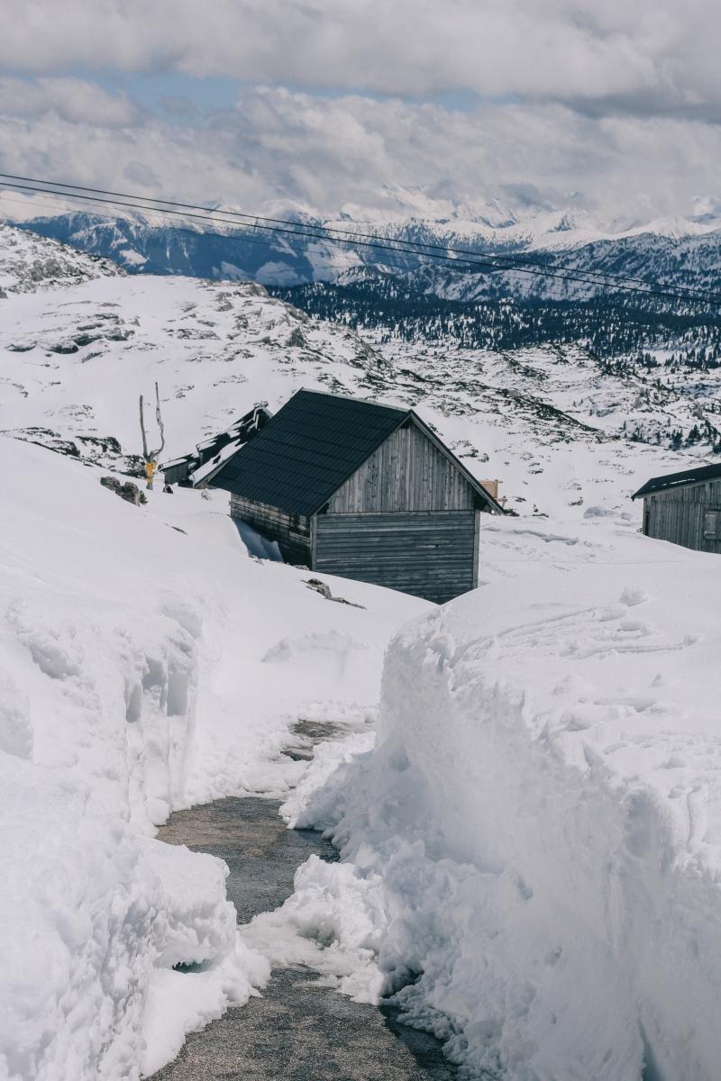 Dachstein Cabin in the snow