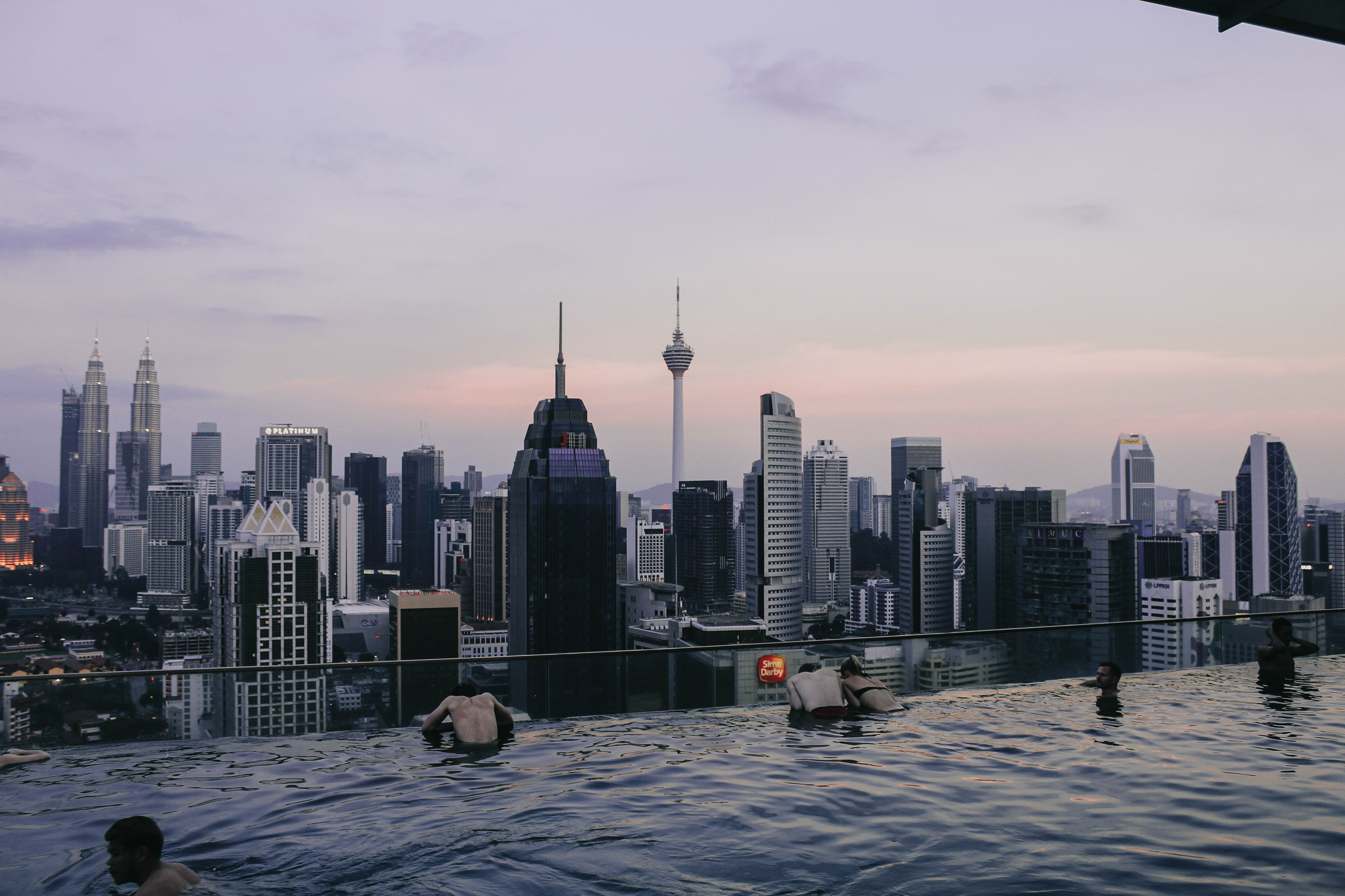 Kuala Lumpur hồ bơi vô cực Regalia Flyover Infinity Pool Sunset