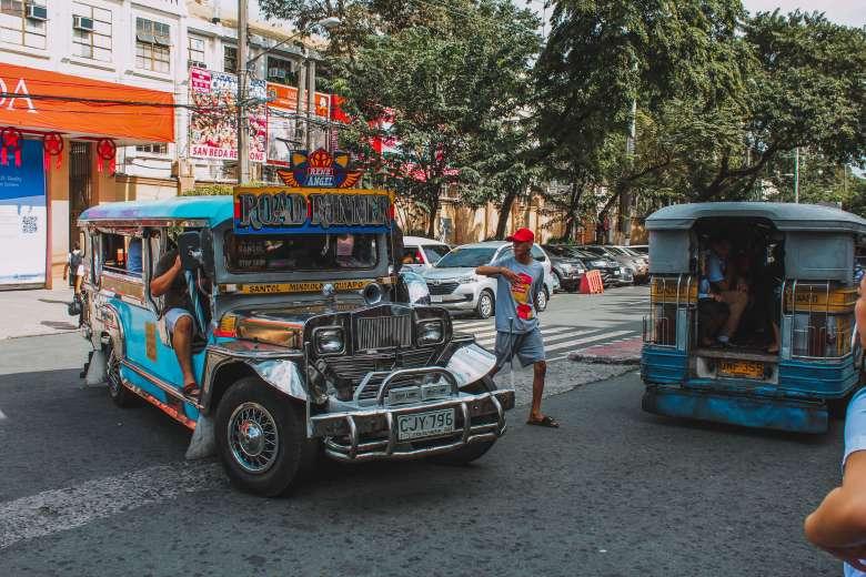 Jeepney tại Manila