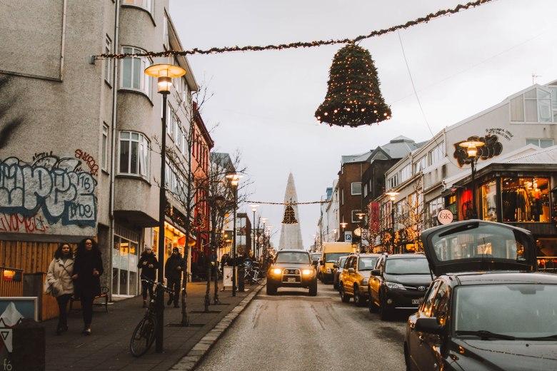 Reykjavik Iceland trang trí Giáng Sinh