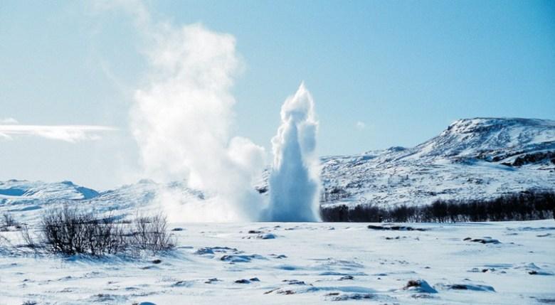 20129-geysir-winter-visit-icelandjpg