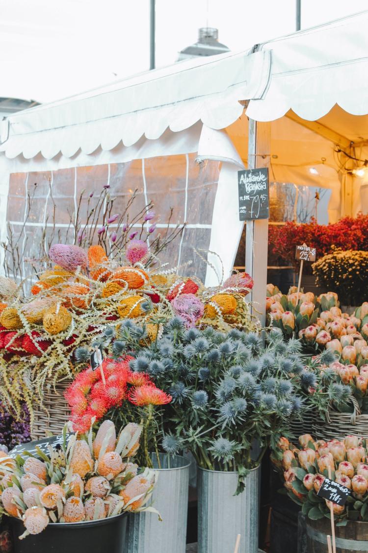 Hoa bán tại chợ Torvehallnerne