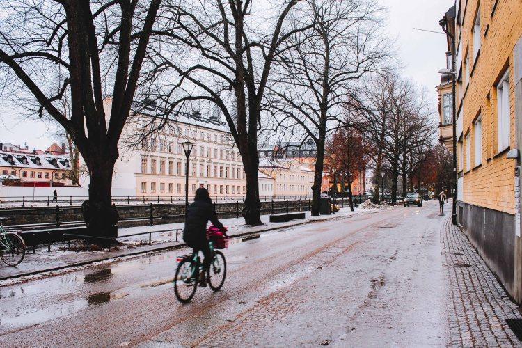 Uppsala đường phố bên sông