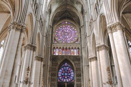 Bên trong nhà thờ Reims 2