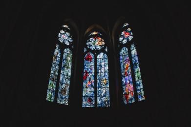 Bên trong nhà thờ Reims