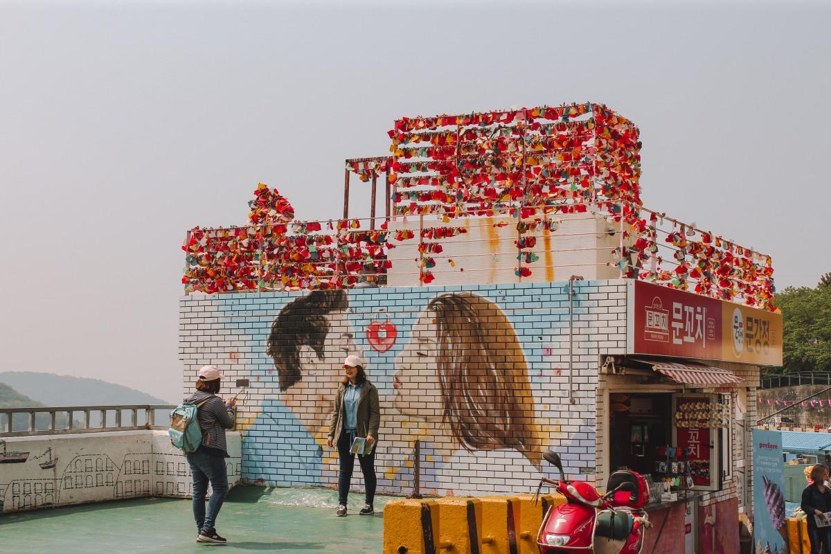 Hướng Dẫn Đi Làng Gamcheon - Ngôi Làng Bích Hoạ ở Busan, Hàn Quốc