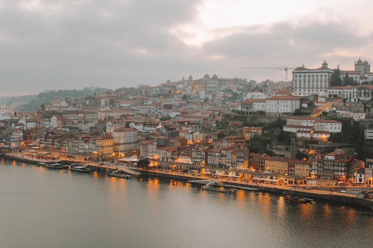 Đừng chỉ đến Porto, hãy để trái tim mình ở lại Porto