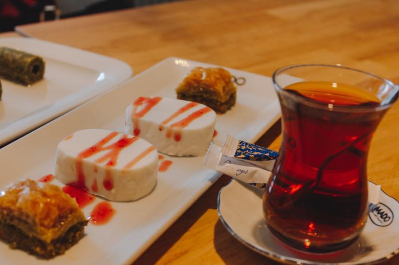 Kem MADO và Trà Thổ Nhĩ Kỳ