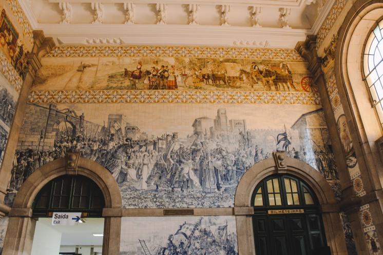 Những bức bích hoạ ở Porto