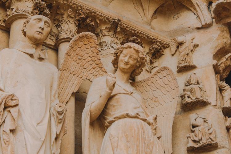 Thiên thần mỉm cười ở Reims 1