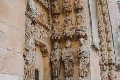 Tượng ở nhà thờ lớn Reims 2