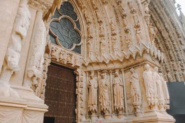Tượng ở nhà thờ lớn Reims