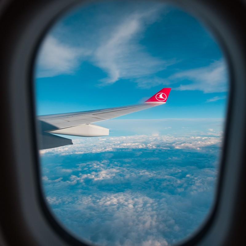 Review Các Hãng Hàng Không Bay Châu Âu Từ Việt Nam Turkish Airlines Square