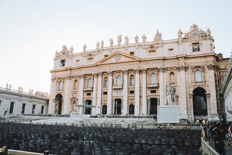 vatican, bước chân vào thành phố thiêng liêng lý thành cơ 1
