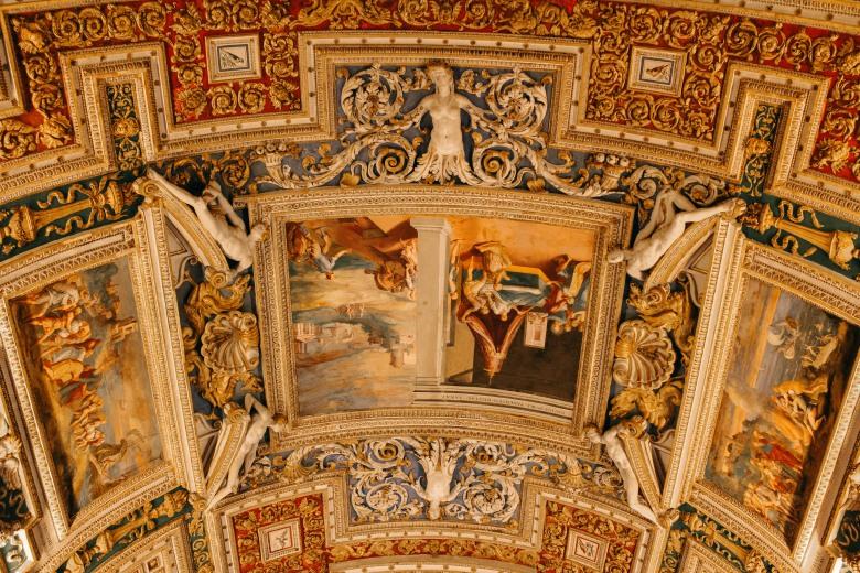 vatican, bước chân vào thành phố thiêng liêng lý thành cơ 12