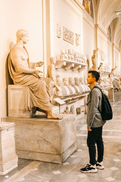 vatican, bước chân vào thành phố thiêng liêng lý thành cơ 7