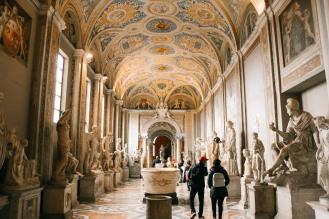 vatican, bước chân vào thành phố thiêng liêng lý thành cơ 9