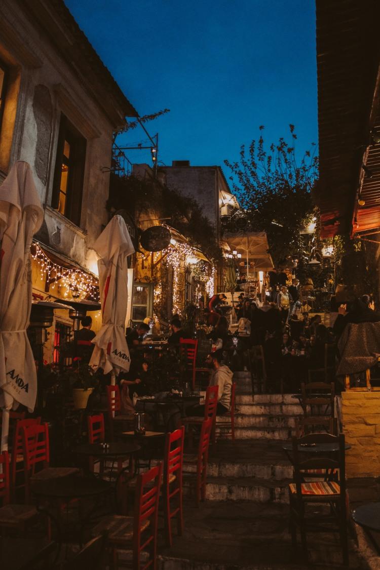 Athens, Không Chỉ Có Những Vị Thần 5