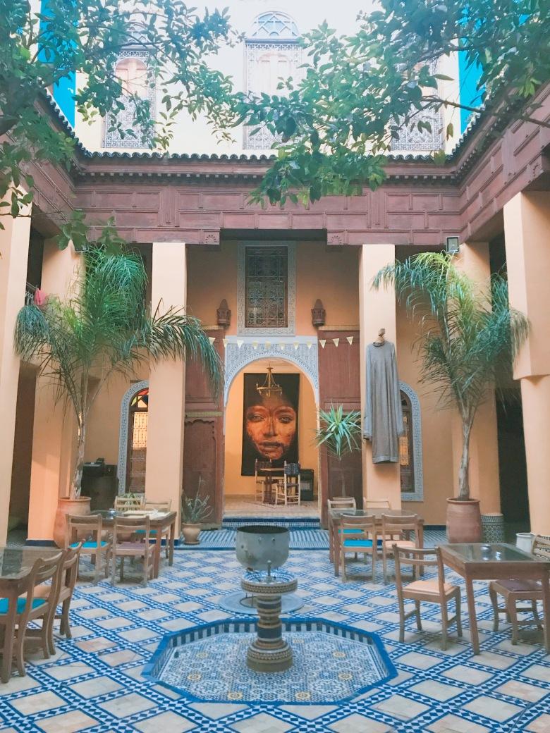 Chạm Vào Huyền Thoại Morocco - Lịch Trình & Review Chi Tiết Riad