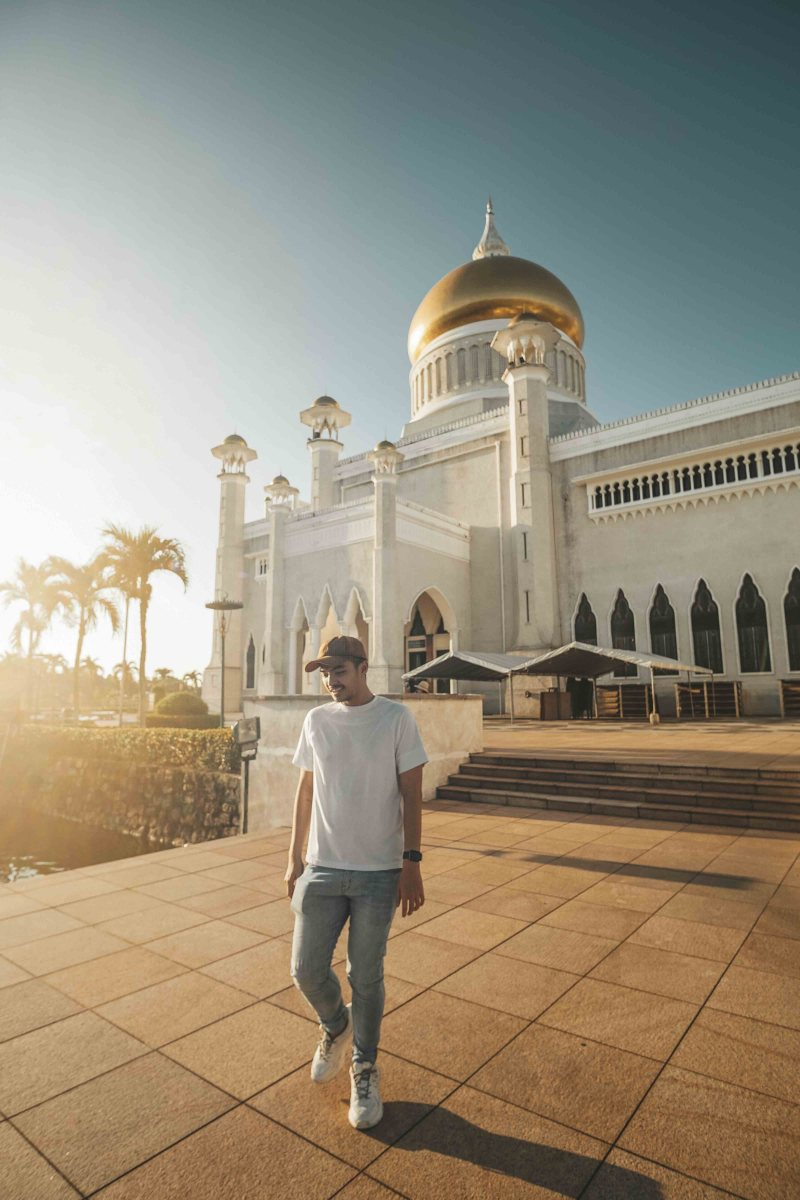Review Brunei Omar Ali Mosque